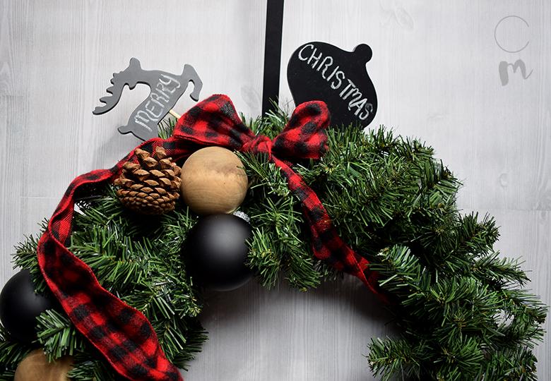 DIY Christmas Wreath feature 3