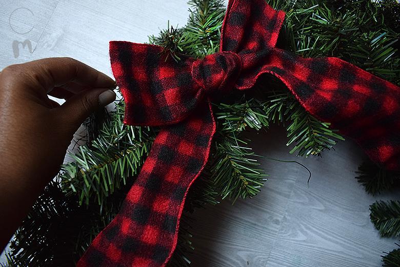 DIY Christmas Wreath Bow