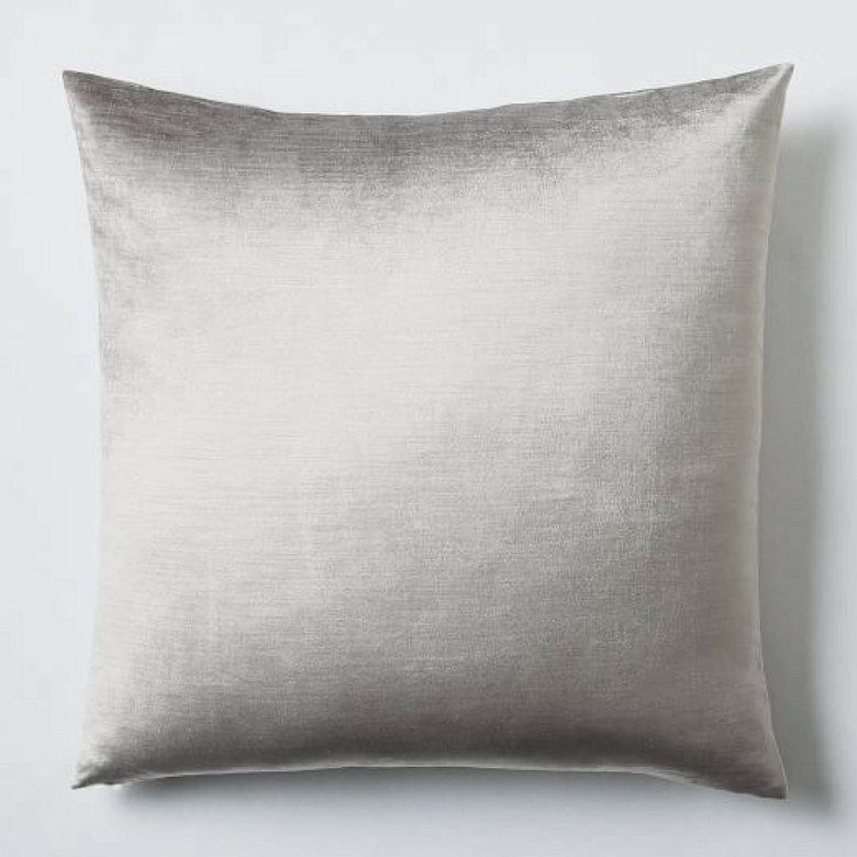Romantic Pillow alternative platinum